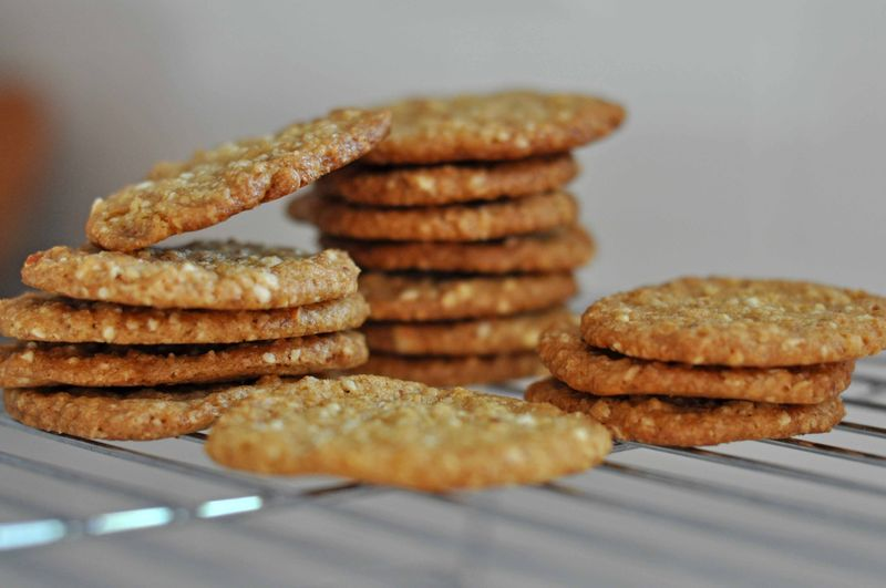 Almond-oat after school cookies