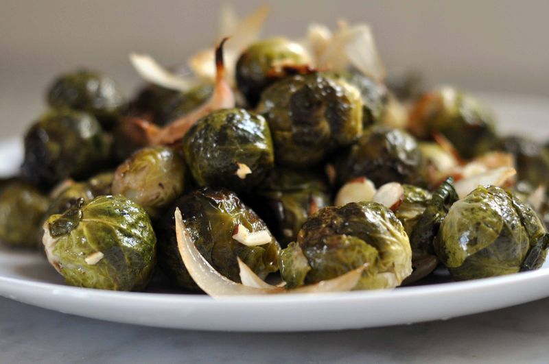 Brussels sprouts with onion and almonds
